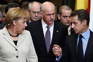 Prrimer ministro de Grecia George Papandreou con otros líderes europeos