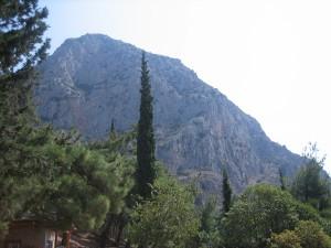 Vista del Monte Parnaso desde la carretera (Foto Flickr de RoseNoel01 )