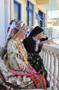 Traje tradicional de Olympos, en la isla de Karpathos, Grecia (Foto Flickr de giotse)