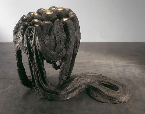 Las esculturas de Louise Bourgeois llegan al Museo de Arte Cicládico de Atenas