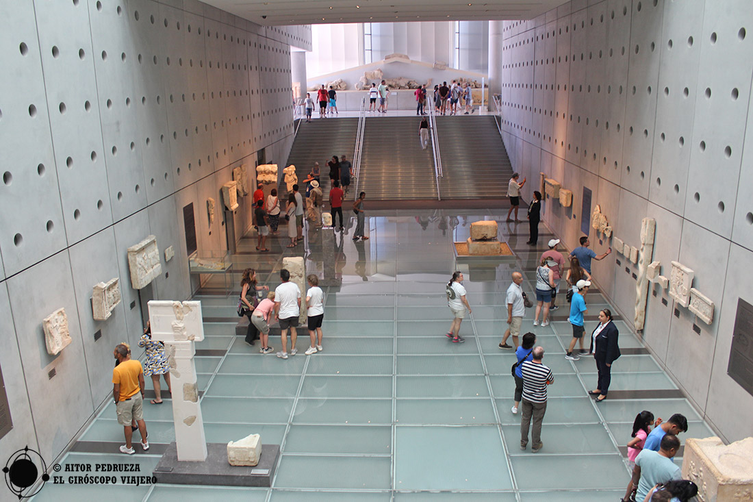 Interior del Museo de la Acrópolis en Atenas