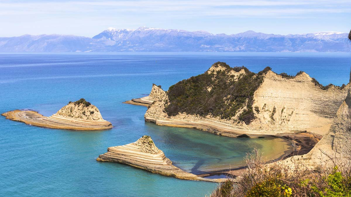 Cabo Drástis, acantilados que salen en la serie Los Durrells